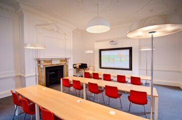 CATS College London Classroom (1)